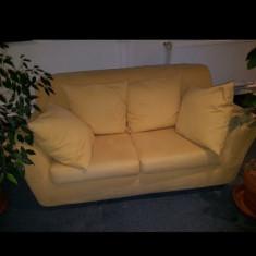 Canapea crem