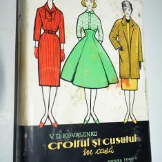 CROITUL SI CUSUTUL IN CASA - V. D. Kalenko - ED . Tineretului 1961