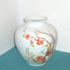 Vaza mare portelan fin, AK Kaiser, model Olivia - Asiatic pheasants - W. Germany, Vaze