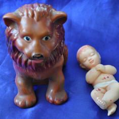 Lot doua figurine Aradeanca de cauciuc. Leu si bebelus. - Figurina Animale