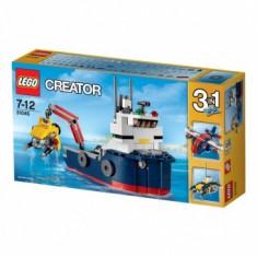 LEGO Creator Nava de explorare oceanica, 213pcs - LEGO City