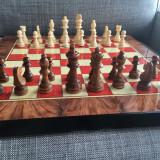 Joc table lux lemn lacuit zaruri os piese sah  inchidere magnetica 48 x 24 cm