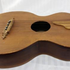 CHITARA VECHE - PIESA DE COLECTIE - SFARSIT DE 1800 SAU INCEPUT DE 1900 - Chitara clasica