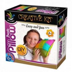 Joc de Creatie - KreativeKit - Pillow - Jocuri arta si creatie D-Toys