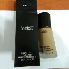 FOND TEN MAC MINERALIZE -30 ML ---SUPER PRET, SUPER CALITATE! C 40 - Fond de ten Mac Cosmetics