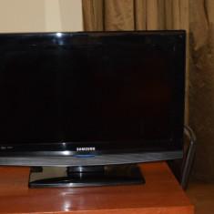 TV/Monitor Samsung LCD 26B350 26 inch (66 cm) cu telecomanda - Monitor LCD Samsung, 1366 x 768, HDMI