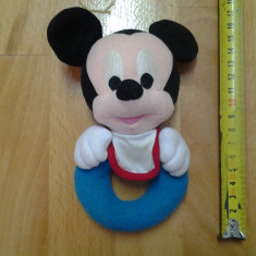 Mickey Mouse, jucarie zornaitoare, de plus 16 x 10 cm - Jucarii plus Disney