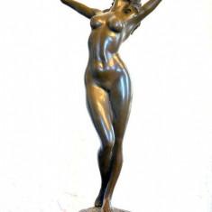 STATUETA NUD DIN BRONZ PE SOCLU DE MARMURA - Sculptura