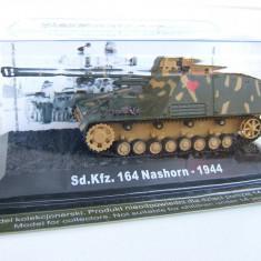Macheta tanc Sd.Kfz. 164 Nashorn - 1944 scara 1:72 - Macheta auto