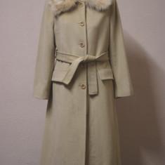 Palton bej Marella by Max Mara cu guler din blana naturala de vulpe - Palton dama, Marime: S/M