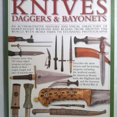 Tobias Capwell - The World Encyclopedia of Knives, Daggers & Bayonets - Carte in engleza