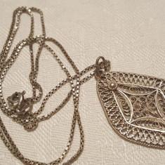 Medalion argint in filigran VECHI Finut Elegant Superb de Efect pe Lant argint