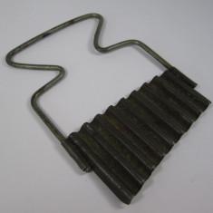 C Cutit vechi pentru taiat legume, ustensila veche de bucatarie - Metal/Fonta