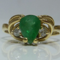 Inel aur 14k cu smarald si diamanre - Inel aur alb