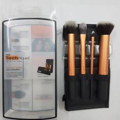 Set 4 pensule profesionale machiaj Real Techniques