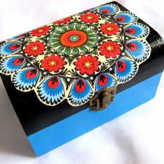 Cutie lemn cu motiv traditional 28125 - Cutie Bijuterii