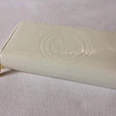 Portofel, portmoneu dama G A ( A J ) alb lucios cu 2 fermoare foarte elegant - Portofel Dama Giorgio Armani