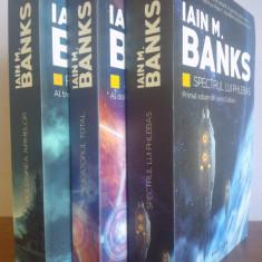 "Iain M. Banks - seria ""Cultura"" (3 carti)"