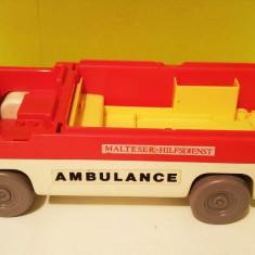 Masinuta plastic Ambulanta (incompleta) Playmobil 1977 Geobra, 25x7x10cm