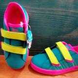 Adidas din piele, pentru fete,marimea 27