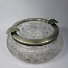 c Scrumiera de cristal cu rama de argint masiv marcat