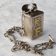 MASIV Medalion argint CUTIE Secreta VECHI executat manual SUPERB pe Lant argint