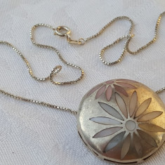 Medalion argint rotund cu insertii sidef ca MARGARETE vintage SPLENDID de EFECT