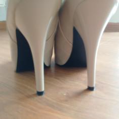 Vand pantofi Guess - Pantof dama Guess, Culoare: Crem, Marime: 38, Cu toc