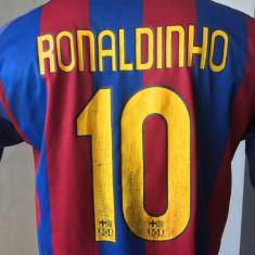 Tricou fotbal RONALDINHO BARCELONA Campioana Spaniei, Europei si Mondiala - Set echipament fotbal, Marime: M