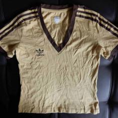 Tricou Adidas. Marime 38: 44.5 cm bust, 53 cm lungime, 39 cm intre umeri - Tricou dama, Culoare: Din imagine