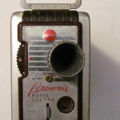 PVM - Aparat camera filmat Kodak BROWNIE 8 mm inca functional fabricat SUA USA - Aparat Filmat