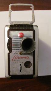 PVM - Aparat camera filmat Kodak BROWNIE 8 mm inca functional fabricat SUA USA