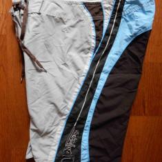Pantaloni scurti Quiksilver; marime 30: 83 cm talie, 54 cm lung. etc; impecabili - Bermude barbati, Culoare: Din imagine