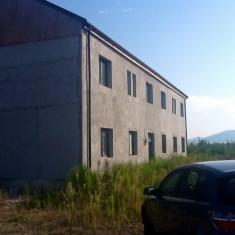 Imobil P+1 + 6000 m teren - Spatiu comercial de vanzare, Etajul 1, 6853 mp, An constructie: 1979