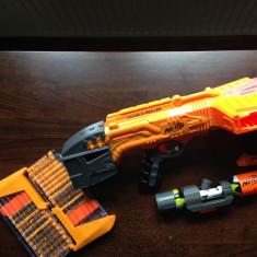 NERF Doomlands Double-Dealer, luneta si 2 cătușe gloanțe - Pistol de jucarie