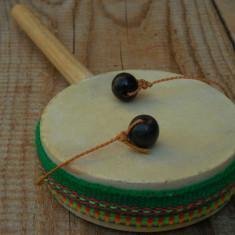 JUCĂRIE VECHE - TOBĂ DE MÂNĂ CU BILE - CONFECȚIONATĂ MANUAL DIN LEMN ȘI PIELE! - Jucarie de colectie