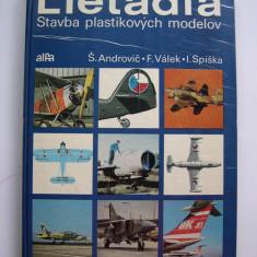 Avioane - Machete construite din palstic. Catalog, carte. - Macheta Aeromodel