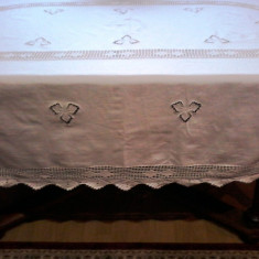 SUPERBA FATA DE MASA MARE, BUMBAC ALB DE CALITATE. - Fata De Masa Antichitati