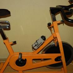 Bicicleta Spinning Profesionala (volanta 20 kg) - Bicicleta fitness