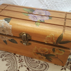 Frumos cufar/cutie bijuterii sau accesorii