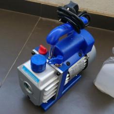 Pompa de vacuum instalatii frigorifice + 1 sticla de ulei NOUA