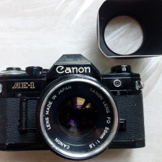 APARAT FOTO CANON AE-1 JAPAN CU OBIECTIV 50 mm SI FILTRU UV + PARASOLAR - Aparate Foto cu Film