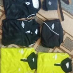 Echipament de arbitru Umbro - Set echipament fotbal Umbro, Marime: M