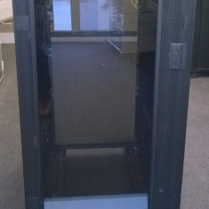 Cabinet Rack Server IBM 9306 , 22U , Usa fata sticla