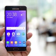 Vand A3 Model 2015 - Telefon Samsung, Neblocat, Single SIM, 1.5 GB