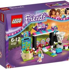 Sala de jocuri electronice din parcul de distractii - LEGO Friends