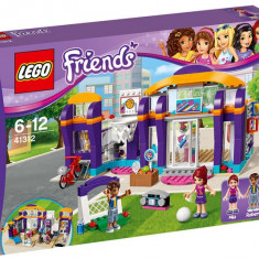 Centrul Sportiv din Heartlake - LEGO Friends