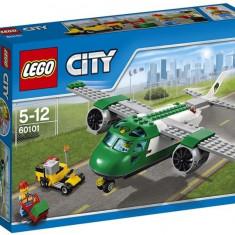 Avion de marfa pe aeroport - LEGO City