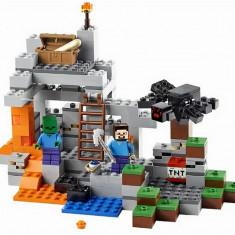 Pestera LEGO Minecraft (21113)
