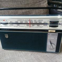 Radio portabil vintage Radiola RA 305 T, an 1965, stare excelenta. - Aparat radio